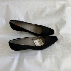 Aerosole Black Pump Shoes NWT, size 9.5